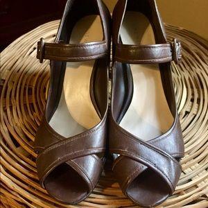 Peep toe Maryjane style heels